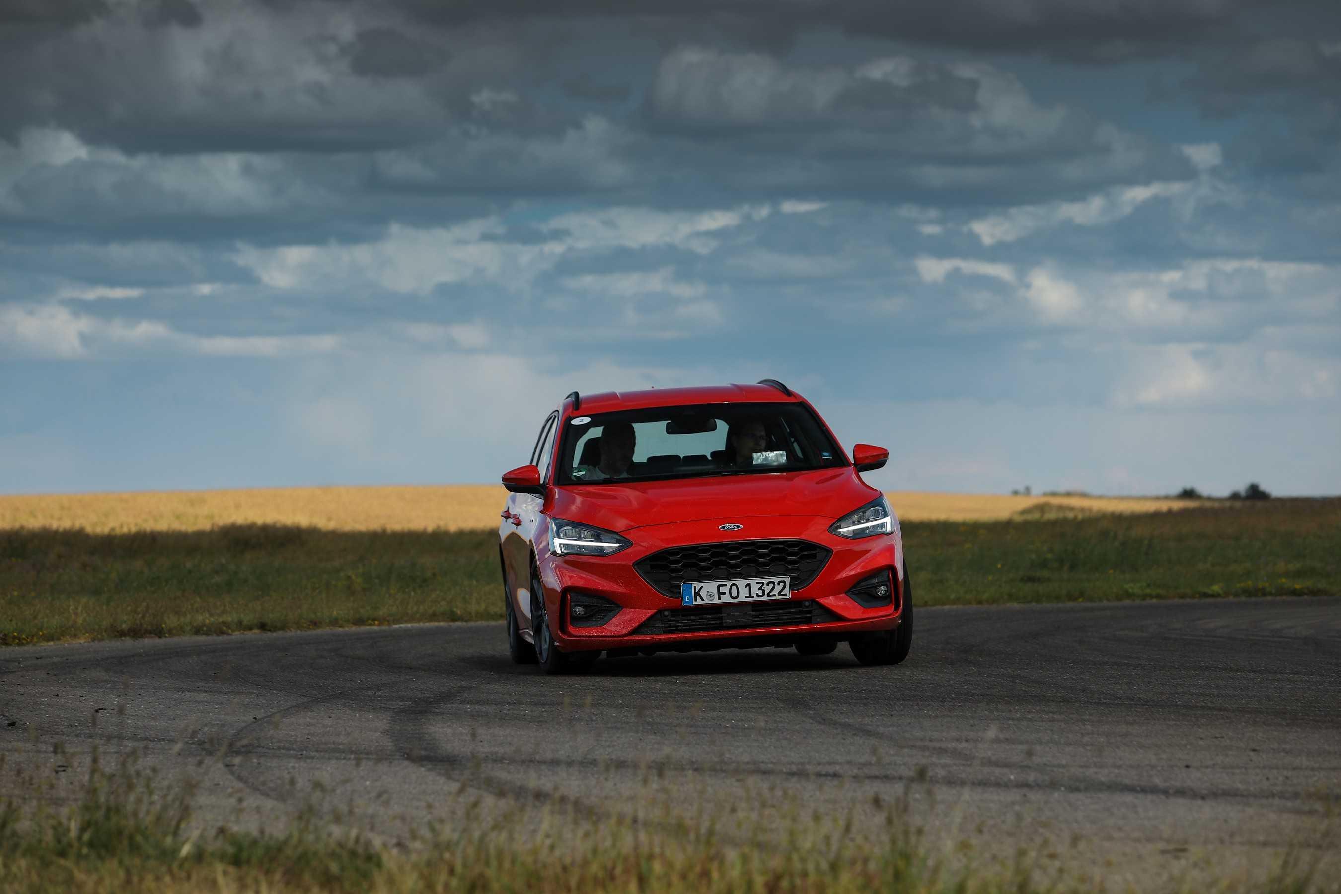 Тест-драйв ford focus st-line: за полшага до спорта