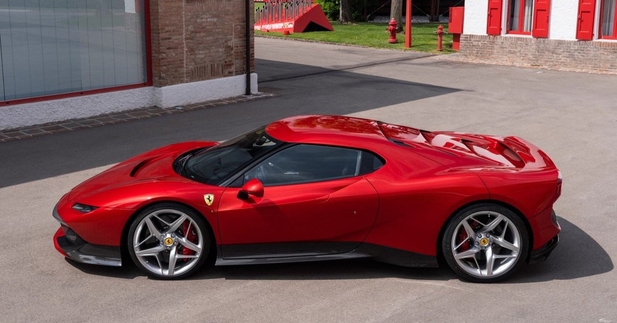 Ferrari 812 superfast 2019-2020 цена, технические характеристики, фото, видео тест-драйв