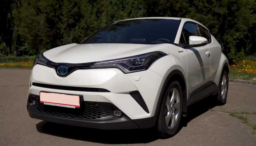 Toyota C-HR с мощным гибридным приводом сильно подвинула конкурентов